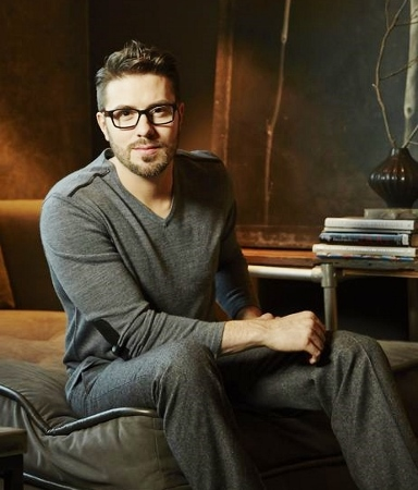 Danny Gokey in Gray cr (384x450)