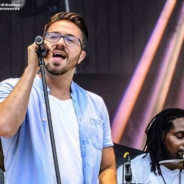 Danny Gokey performs at Kingsfest