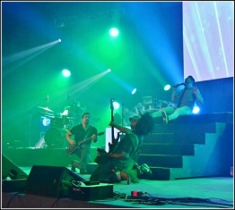 Danny Gokey performing on the Positive Hits Tour 2016 with Miguel Perez aand Maestro Lightford