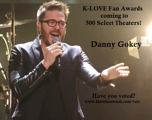 Danny Gokey performing at Klove Fan Awards